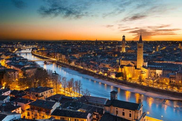 Verona, city of Romeo e Giulietta and opera
